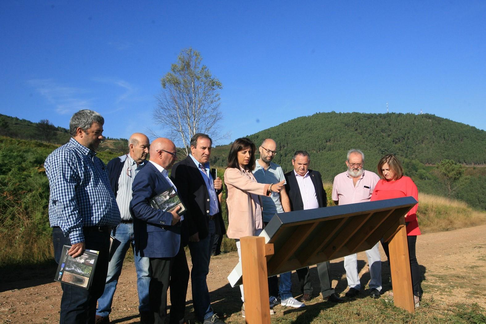 Visita da conselleira do Medio Rural ao GDR Ribeira Sacra-Courel
